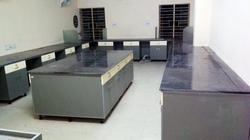 Lab Furniture for College