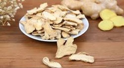 Vakil Foods Dehydrated Ginger Flakes, Packaging: Plastic Bag or Polythen, Packaging Size Available: 20 Kg