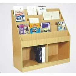 5 To 6 Feet (overall Height) Free Standing Unit Wooden Book Display Rack, For School Library, 5 Shelves