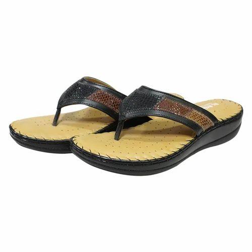 f2fedf73e165 Casual Wear Doctor Sole Leather Slipper