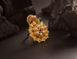 Royal Looking Designer Finger Ring In Golden Color Beautified With Stone Work