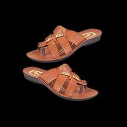 Boys Tan Slipper, Size: 5, 6 & 7