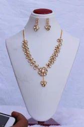 HR Sales Golden Hr-934 Flower Pendant Butti Set, Size: 18 Inch