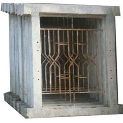 Rectangular Cement Window Frame, Dimension/size: 3 X 3 Feet