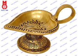 Oil Lamp Leaf Shape On Round Base