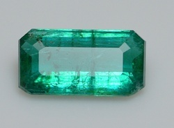IGI Certified Natural Emerald -2.98Carat Oil only