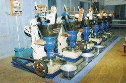 Own and Patterned Oil Mill Machine, Capacity: 1-5 Ton/Day