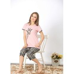 Stretchable Hosiery Ladies Capri Set