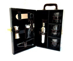 Black Croco. Leather Travel Bar Set