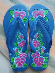Clam Women Pure Rubber Hawai Chappals
