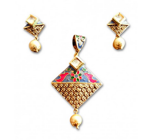 Kundan pendant set with gold earring at rs 296 set gold kundan pendant set with gold earring aloadofball Image collections