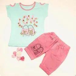 Cotton Hosiery Casual Wear Kid Designer Top With Capri Set