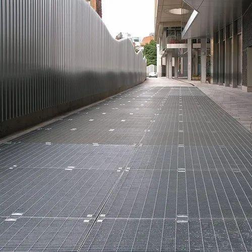 Mesh Floor Gratings Fabrication Works
