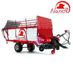 Self Loading And Unloading Forage Wagon