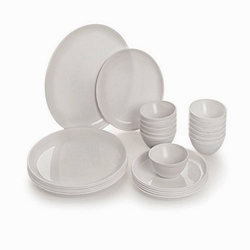 White Plastic Dinner Set
