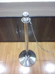 HGI Stainless Steel Queue Stand