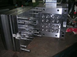 valour Stainless Steel Surgical Syringe Mould, Clamping Units