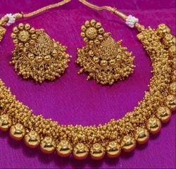 Ladies Fancy Gold Necklace