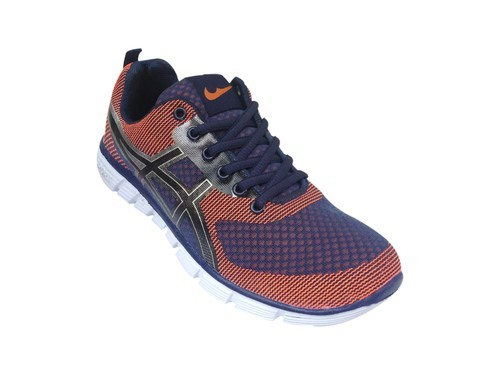Good Looking Men' s Sports Shoes