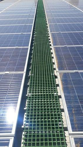 Frp Gratings Walkway For Solar Panel Rooftop Area