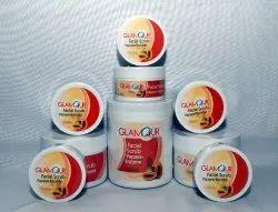 Glamour Papaya Enzyme Scrub