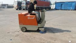Latest Battery Operated Road Sweeper