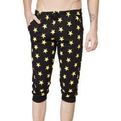 Men Star Printed Slim Fit Capri