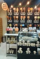 Balck,White Wood Jewellery Stand, For Super Market