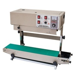 Royal Pack Industries Vertical Film Sealing Machine, Capacity: 1-3 Kg