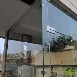 Transparent Ais Toughened Glass, Thickness: 12.0 mm, Shape: Flat