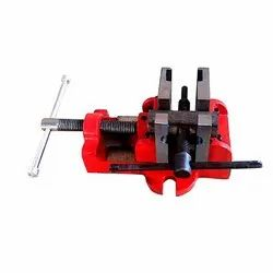 Red SG Iron casting SG Iron Bearing Puller Vice, Size: 3 4, 3 4