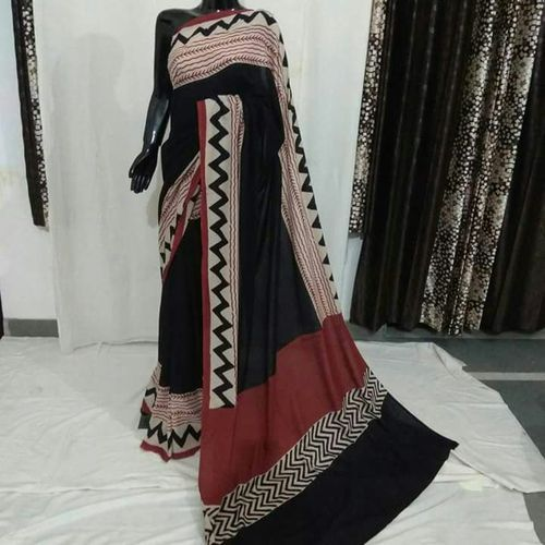 Printed White Lal Kali Chanderi Sarees, Construction Type: Hand