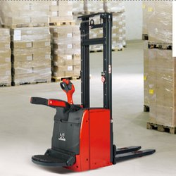 L14AP Stand On Pallet Stacker