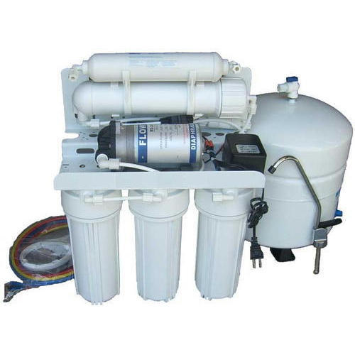 White Domestic RO Water Purifier, Capacity: 14.1 L And Above