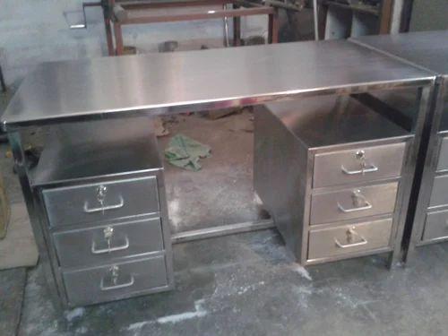 Pharma Work Tables Stainless Steel Work Table