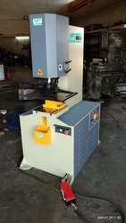 Hydraulic Iron Punching Press