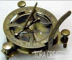 Brass Brown Vintage Antique 4.5 Sundial Compass, Packaging Type: Box, Size/Diameter: Standard