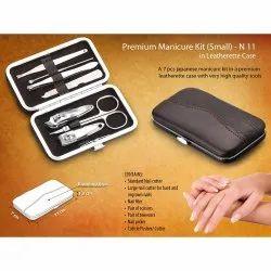 Pouch Premium Manicure Kit In Leatherette Case
