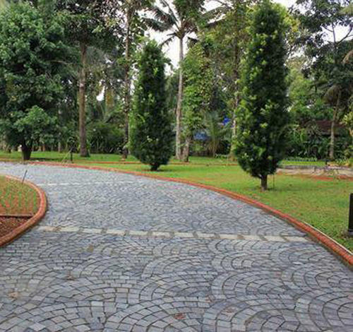 Grey Cobble Stone Pavers For Pathway, Thickness: 2-3 Inches