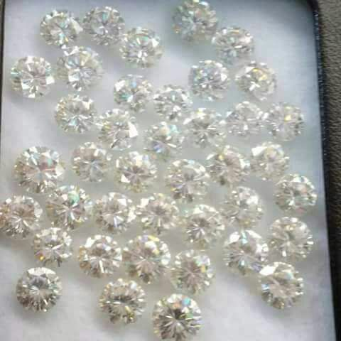 Near White Moissanite Loose Synthetic Stone