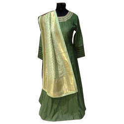 Raghvanshi Party Ladies Stylish Gown
