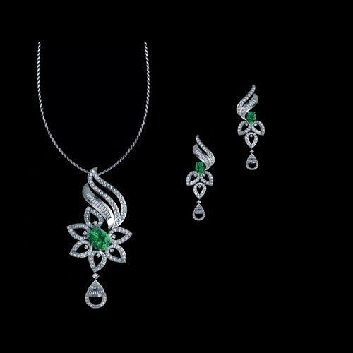 8e4bdf7c2 Designer 18k Gold Diamond Pendant Set at Rs 215000 /set ...