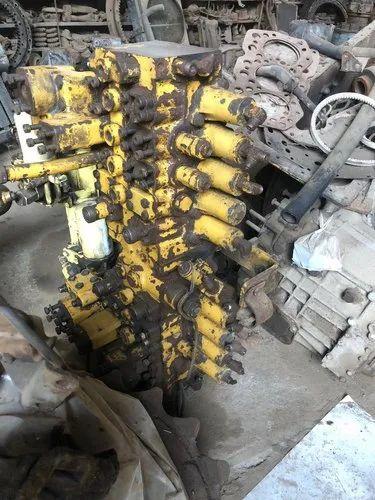 Caterpillar 320 Control Valve Excavator Spare Parts Used Excavator Parts À¤– À¤¦à¤• À¤®à¤¶ À¤¨ À¤• À¤ª À¤° À¤œ United Scrap Traders Ahmedabad Id 20228203873