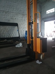 Suma Electric Stacker