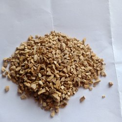 Yellow Stone Chips for Landscaping, Packaging Type: Bags