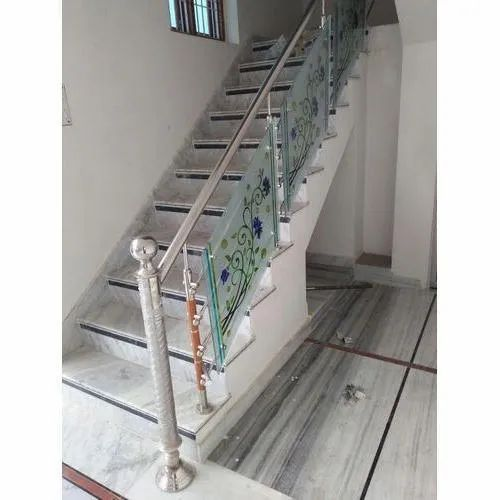 Bar Residential Stainless Steel Staircase Railing, Rs 1400 ...
