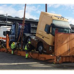Truck Lashing Service