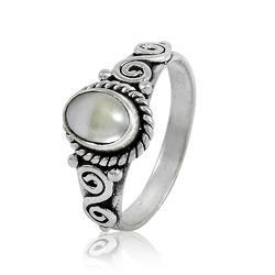 Great 925 Sterling Silver Pearl Ring