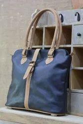 CS Black Fashion Leather Handbag, For Casual Wear, Gender: Women