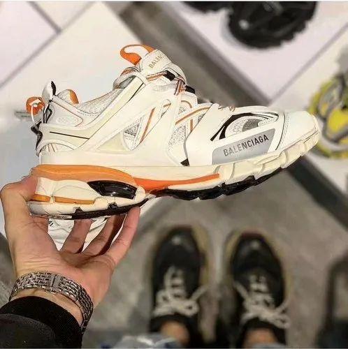 Men Running Balenciaga Tracks Shoes